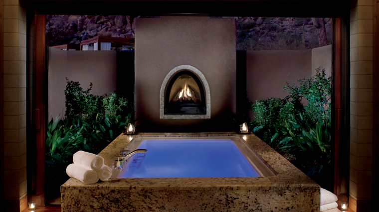 PropertyImage RitzCarltonSpaDoveMountain Spa Treatment Jacuzzi CreditTheRitzCarltonHotelCompanyLLC