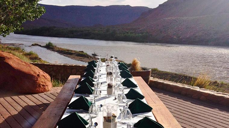 PropertyImage RiverGrillRestaurant Restaurant Style RiverDeckDining CreditSorrelRiverRanchandSpa