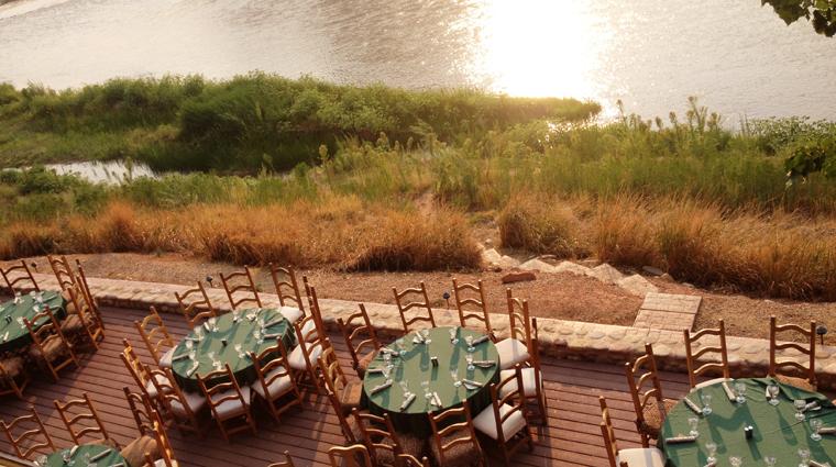 PropertyImage RiverGrillRestaurant Restaurant Style TerraceDiningatSunset CreditSorrelRiverRanchandSpa