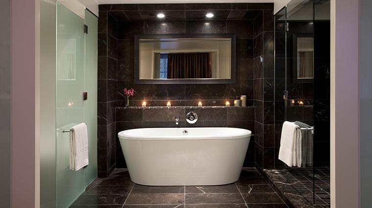 PropertyImage RosewoodHotelGeorgia Hotel GuestroomsandSuites Bathroom CreditRosewoodHotels