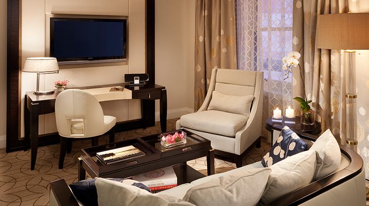 PropertyImage RosewoodHotelGeorgia Hotel GuestroomsandSuites DeluxeRoom 2 CreditRosewoodHotels