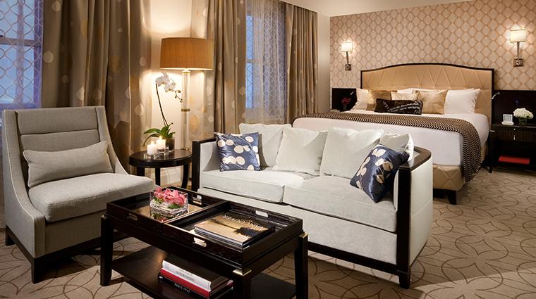 PropertyImage RosewoodHotelGeorgia Hotel GuestroomsandSuites DeluxeRoom CreditRosewoodHotels