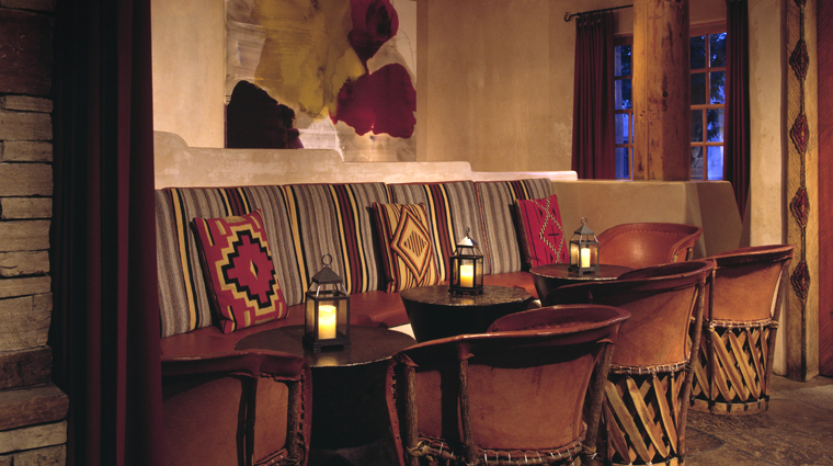 PropertyImage RosewoodInnoftheAnasazi SantaFe Hotel Bar CreditRosewoodHotelsandResorts