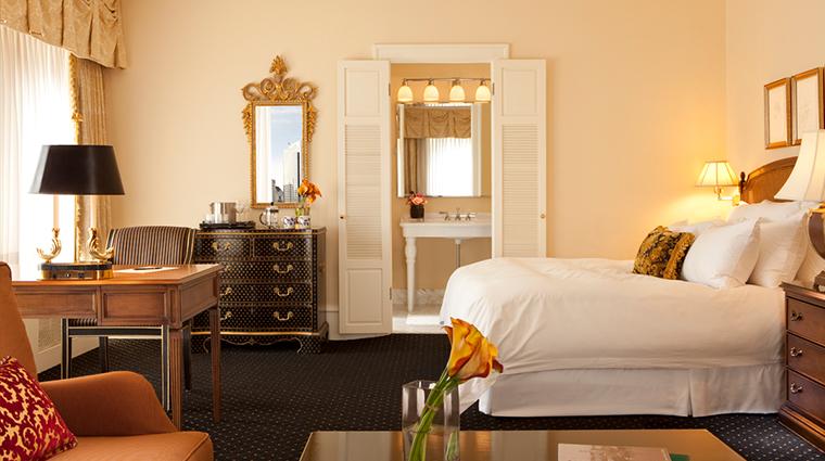 PropertyImage SorrentoHotelSeattle Hotel GuestroomsandSuites Guestroom CreditSorrentoHotelSeattle
