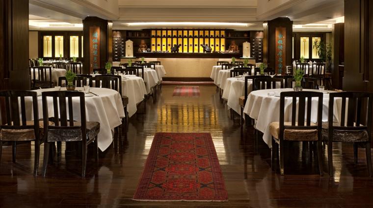 PropertyImage SpringMoon Restaurant Style DiningRoom 1 CreditThePeninsulaHongKong VFMLeonardoInc