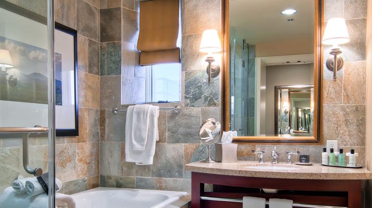 PropertyImage StJulienHotelandSpa Hotel GuestroomSuite Bathroom CreditStJulien