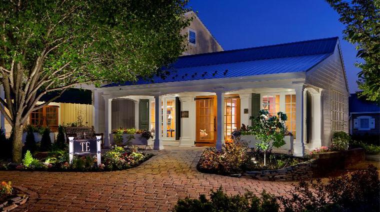 PropertyImage TERestaurant Restaurant Style RestaurantEntrance CreditTheInnAtLeolaVillage