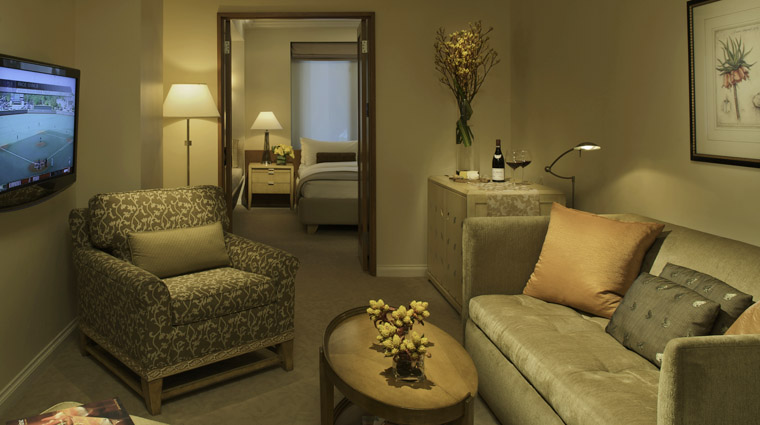 PropertyImage TajCamptonPlace SanFrancisco Hotel GuestroomSuites CamptonSuite Credit TheIndianHotelsCompany