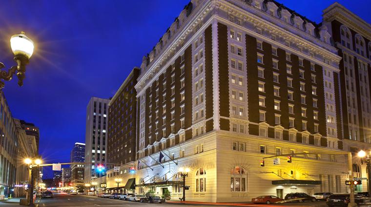 PropertyImage TheBensonHotel 1 Hotel Exterior Night CreditCoastHotelsAndResorts