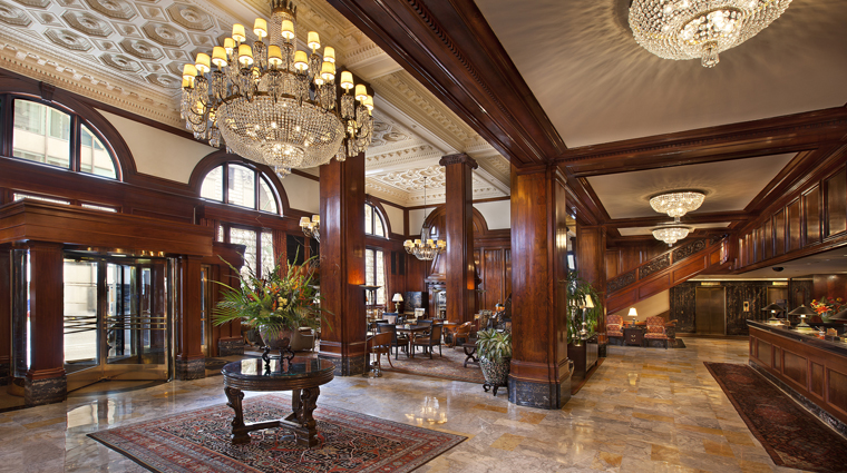 PropertyImage TheBensonHotel 2 Hotel PublicSpaces Lobby FrontDesk CreditCoastHotelsAndResorts