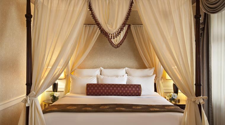 PropertyImage TheBensonHotel 3 Hotel GuestroomsSuites TheGrandSuite Bedroom CreditCoastHotelsAndResorts
