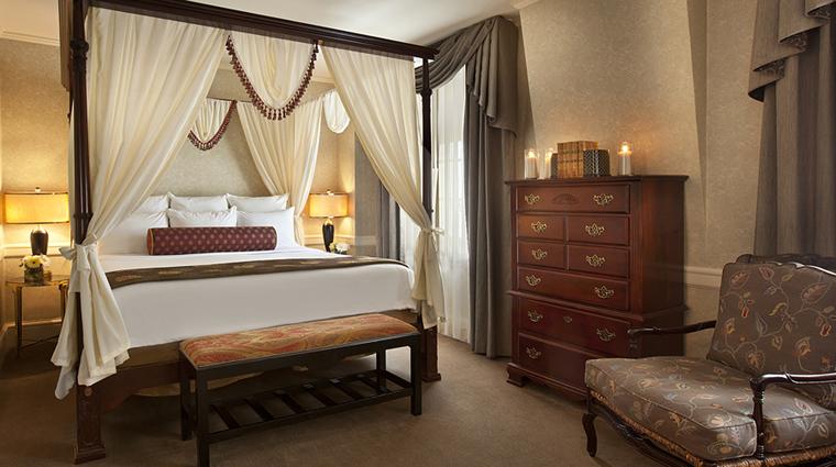 PropertyImage TheBensonHotel Hotel GuestroomsSuites GrandSuite Bedroom Bed CreditCoastHotelsAndResorts