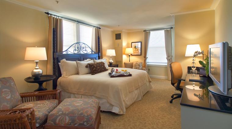 PropertyImage TheCarolina 5 Hotel GuestroomsandSuites CarolinaBedroom CreditPinehurstLLC