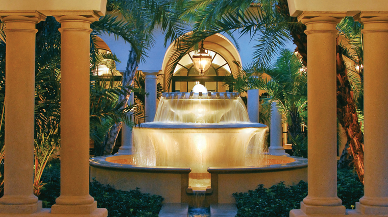 PropertyImage TheCloisterSpa SeaIsland Spa Style Fountain CreditSeaIslandCompany