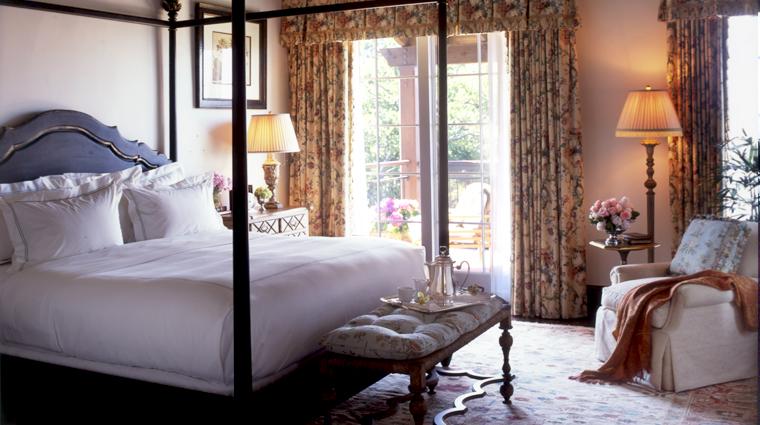 PropertyImage TheCloister Savannah Hotel GuestroomSuites SeaIslandSuite CreditSeaIslandCo