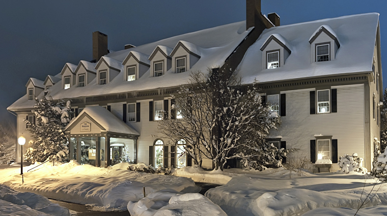 PropertyImage TheEssexResortandSpa Burlington Hotel Exterior Wintertime CreditTheEssex