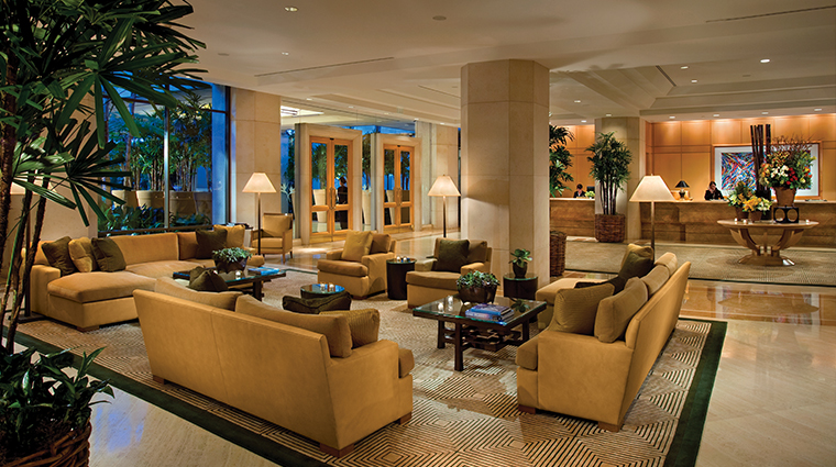 PropertyImage TheIslandHotel Hotel PublicSpaces Lobby 1 CreditTheIrvineCompanyResortProperties