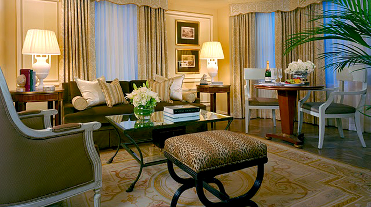 PropertyImage TheJefferson WashingtonDC Hotel Guestroom DeluxeSuite Parlor 1 CreditTheJefferson