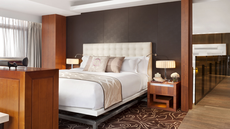 PropertyImage TheLanghamXintiandiShanghai Hotel GuestroomSuite PresidentialSuite Bedroom CreditLanghamHotelsInternationalLimited