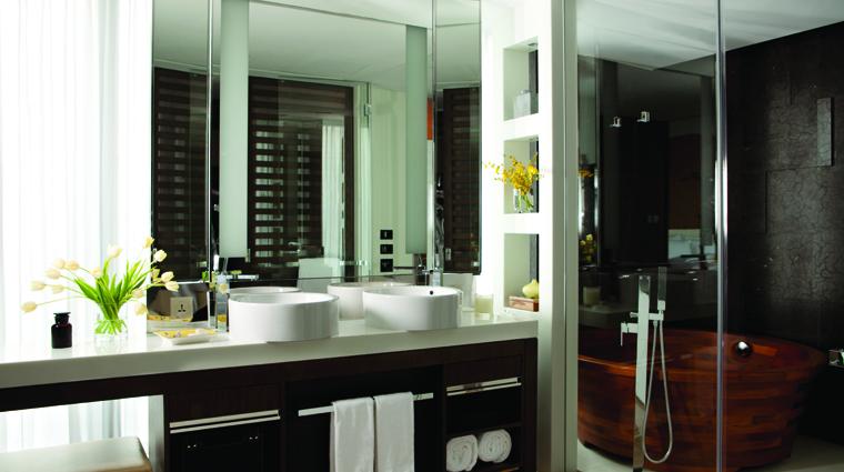 PropertyImage TheLanghamXintiandiShanghai Shanghai Hotel Guestroom JuniorSuite Bathroom 1 CreditLanghamHotelsInternationalLimited