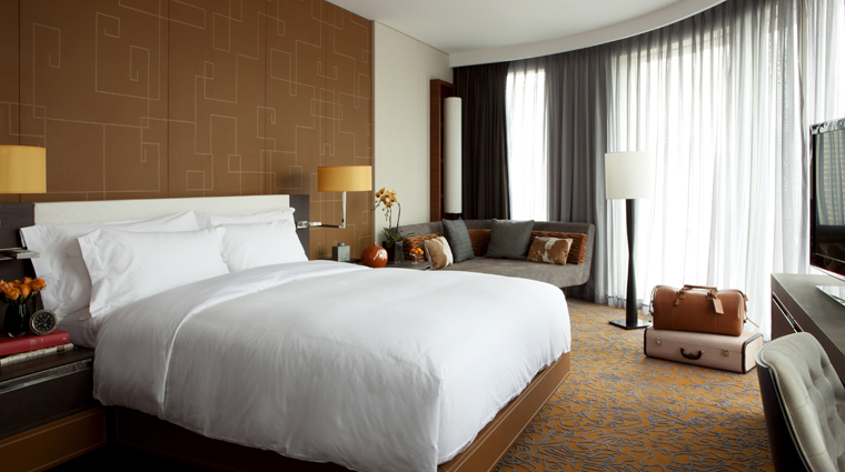 PropertyImage TheLanghamXintiandiShanghai Shanghai Hotel Guestroom JuniorSuite Bedroom CreditLanghamHotelsInternationalLimited