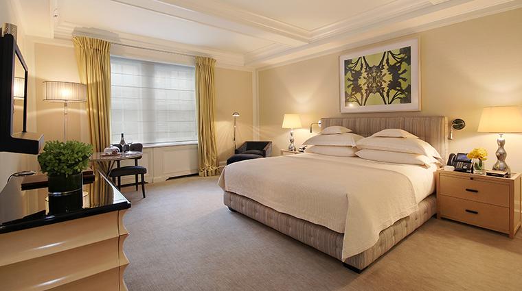 PropertyImage TheMark Hotel 3 GuestroomsandSuites SeventySevenKingGuestroom CreditTheMarkLLC