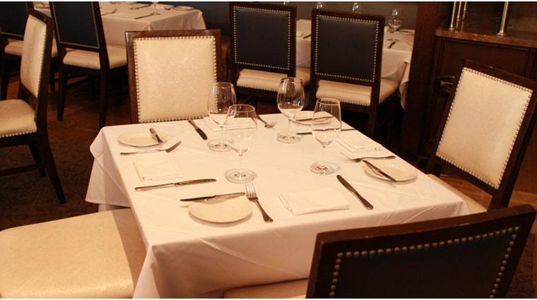 PropertyImage ThePalazzo LasVegas Restaurant MorelsFrenchSteakhoseandBistro Style TableSetting CreditTheFiveStarTravelCorporation