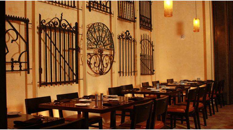 PropertyImage ThePalazzo LasVegas Restaurant Table10 Style Interior 1 CreditTheFiveStarTravelCorporation