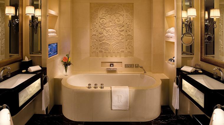 PropertyImage ThePeninsulaShanghai Shanghai Hotel GuestroomSuites DeluxeRoom Bathroom CreditTheHongkongAndShanghaiHotelsLimited