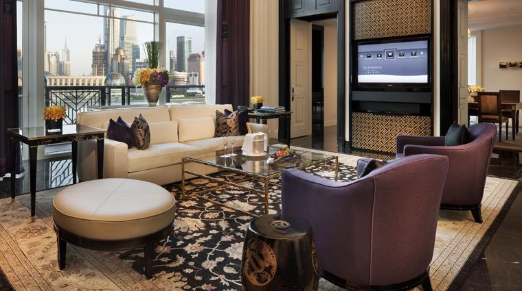 PropertyImage ThePeninsulaShanghai Shanghai Hotel GuestroomSuites TheMajesticSuite LivingRoom CreditTheHongkongAndShanghaiHotelsLimited