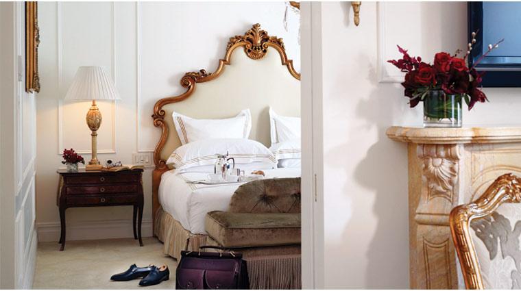 PropertyImage ThePlazaHotel NewYork Hotel GuestroomsSuites EdwardianSuite Bed CreditFairmontHotelsandResorts