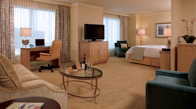 PropertyImage TheRitzCarltonCleveland Hotel GuestroomsandSuites JuniorSuite CreditMarkWieland