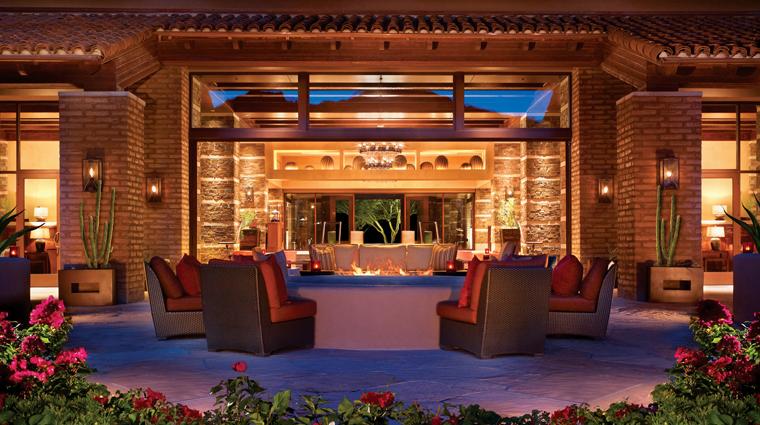PropertyImage TheRitzCarltonDoveMountain Hotel BarLounge IgniteLoungeandBar CreditTheRitzCarltonHotelCompanyLLC