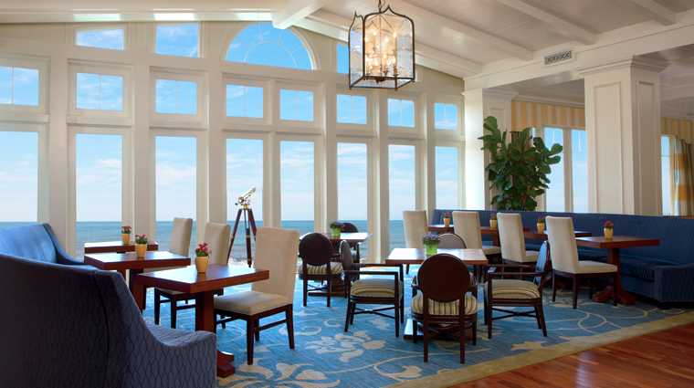 PropertyImage TheRitzCarltonHalfMoonBay SanFrancisco Hotel Restaurant TheConservatoryLounge CreditTheRitzCarltonHotelCompanyLLC