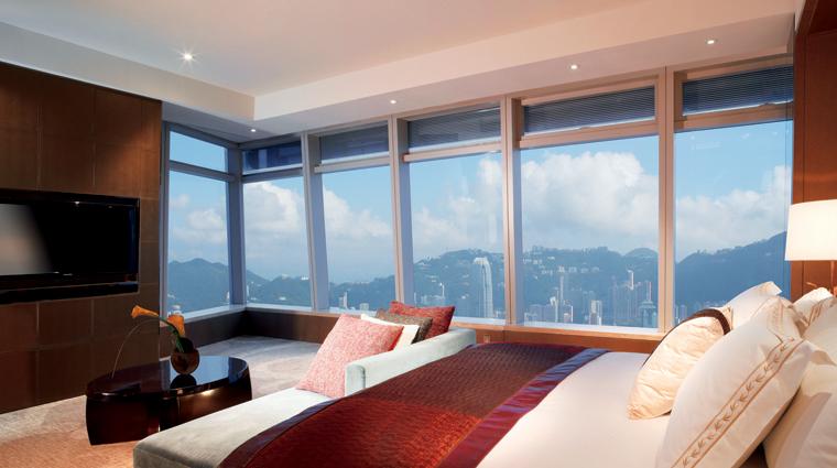 PropertyImage TheRitzCarltonHongKong Hotel GuestRoomSuites HarbourIslandSuite Credit TheRitzCarltonHotelCompanyLLC