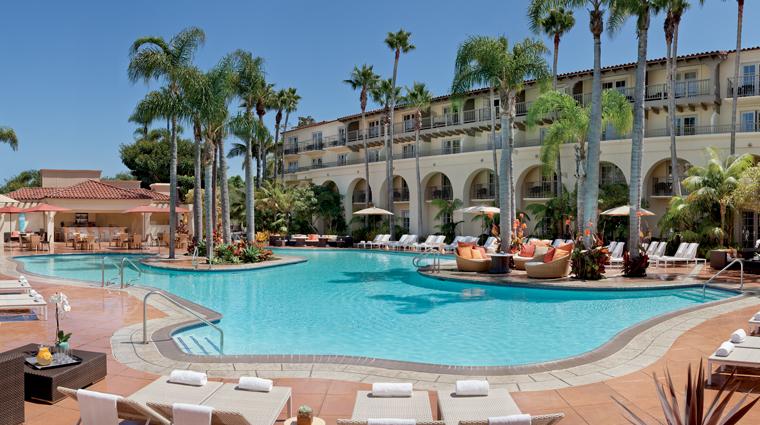 PropertyImage TheRitzCarltonLagunaNiguel Hotel Pool TheDanaPoolCafe CreditTheRitzCarltonLagunaNiguel