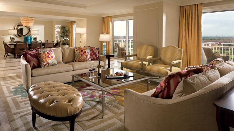 PropertyImage TheRitzCarltonOrlandoGrandeLakes Hotel BarLounge ClubLounge Credit TheRitzCarltonHotelCompanyLLC
