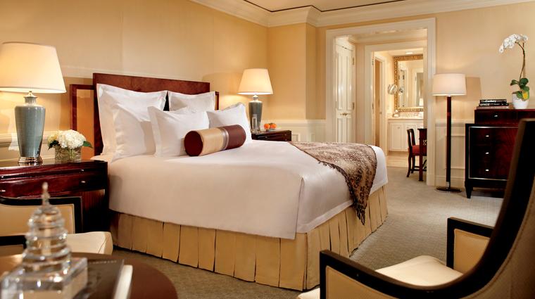 PropertyImage TheRitzCarltonWashingtonDC Hotel GuestroomsandSuites ThePresidentialSuite Bedroom CreditTheRitzCarltonHotelCompanyLLC