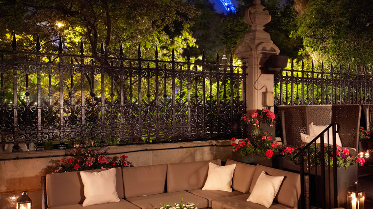 PropertyImage TheRoyalHorseguards Hotel Exterior Terrace CreditGuomanThistle