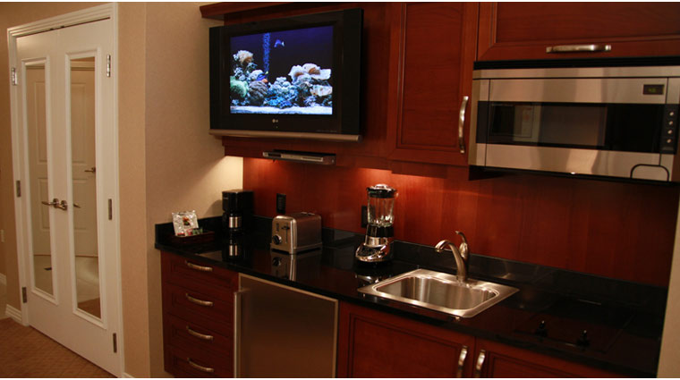 PropertyImage TheSignatureAtMGMGrand LasVegas Hotel GuestroomSte JuniorSuite Kitchenette CreditFiveStarTravelCorp