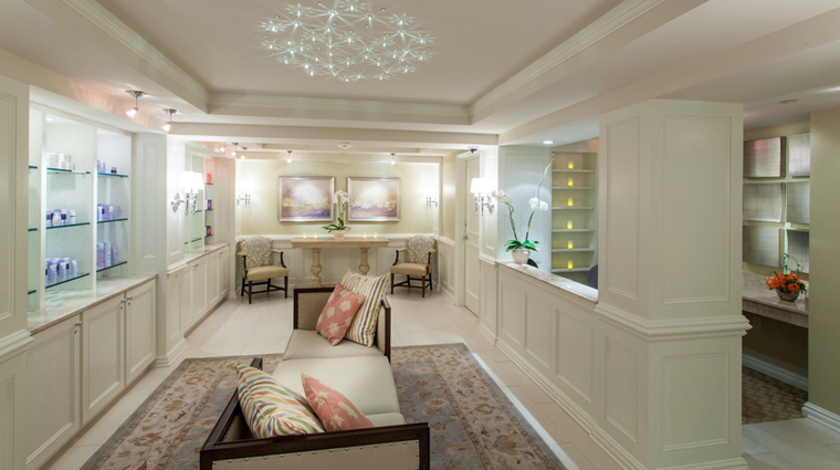 PropertyImage TheSpaAtWindsorCourt Spa Style Lobby CreditMarcoRicca