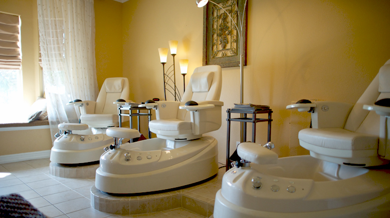 PropertyImage TheSpaatReunionResort Orlando Spa Style PedicureStation CreditTheFiveStarTravelCorporation