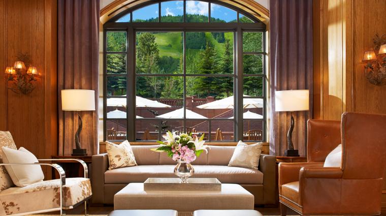 PropertyImage TheStRegisAspenResort Hotel BarLounge ShadowMountainLounge Lounge CreditTheStRegisAspenResort