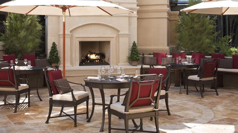 PropertyImage TheStRegisAtlanta Atlanta Hotel Bar StRegisBar Patio CreditStarwoodHotelsandResortsWorldwideInc