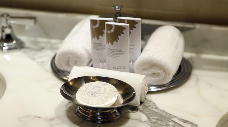 PropertyImage TheStRegisAtlanta Atlanta Hotel GuestroomSuite StRegisSuite BathProducts CreditTheFiveStarTravelCorporation