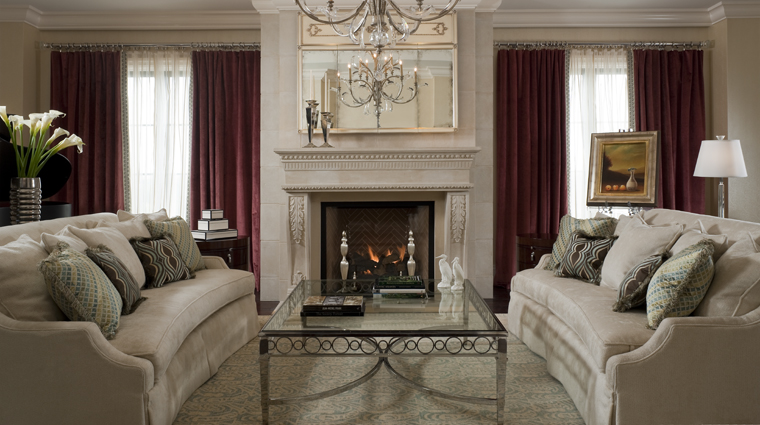 PropertyImage TheStRegisAtlanta Atlanta Hotel Guestroom EmpireSuite LivingRoom CreditStarwoodHotelsandResortsWorldwideInc