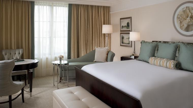 PropertyImage TheStRegisAtlanta Atlanta Hotel Guestroom SuperiorKingGuestRoom Bedroom CreditStarwoodHotelsandResortsWorldwideInc