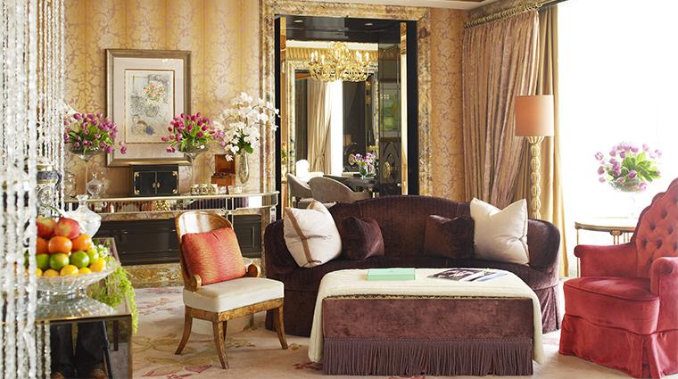 PropertyImage TheStRegisSingapore Hotel GuestroomSuite PresidentialSuite LivingRoomDetail CreditStarwoodHotelsandResortsWordlwideInc