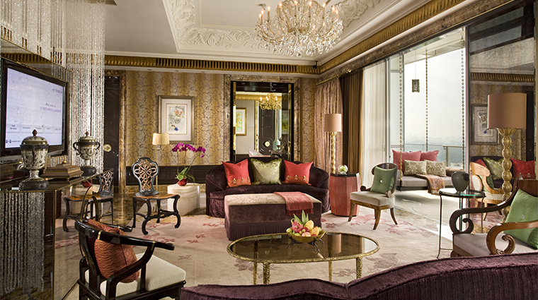 PropertyImage TheStRegisSingapore Hotel GuestroomSuite PresidentialSuite LivingRoom CreditStarwoodHotelsandResortsWordlwideInc