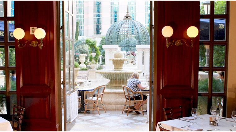 PropertyImage TheVenetian LasVegas Restaurant Bouchon Style OutdoorSeatting CreditTheFiveStarTravelCorporation